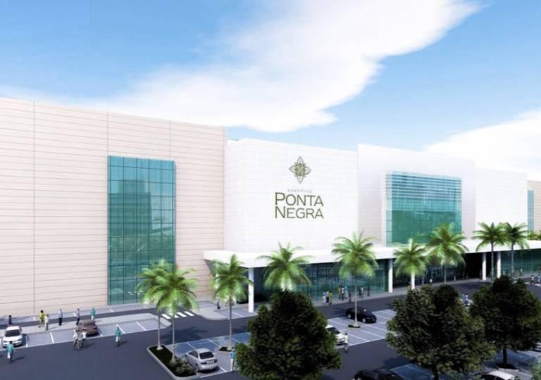 LOCAL COMERCIAL EN C.C. PONTA NEGRA 2